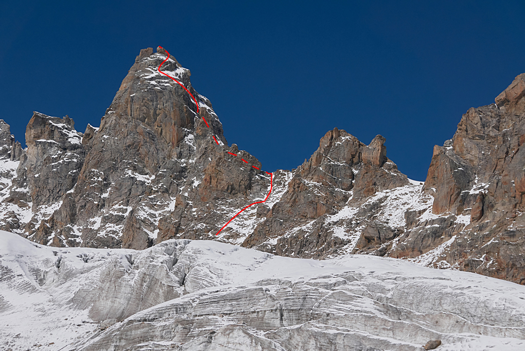 Peak 5,620m and the route of the Japanese first ascent.
