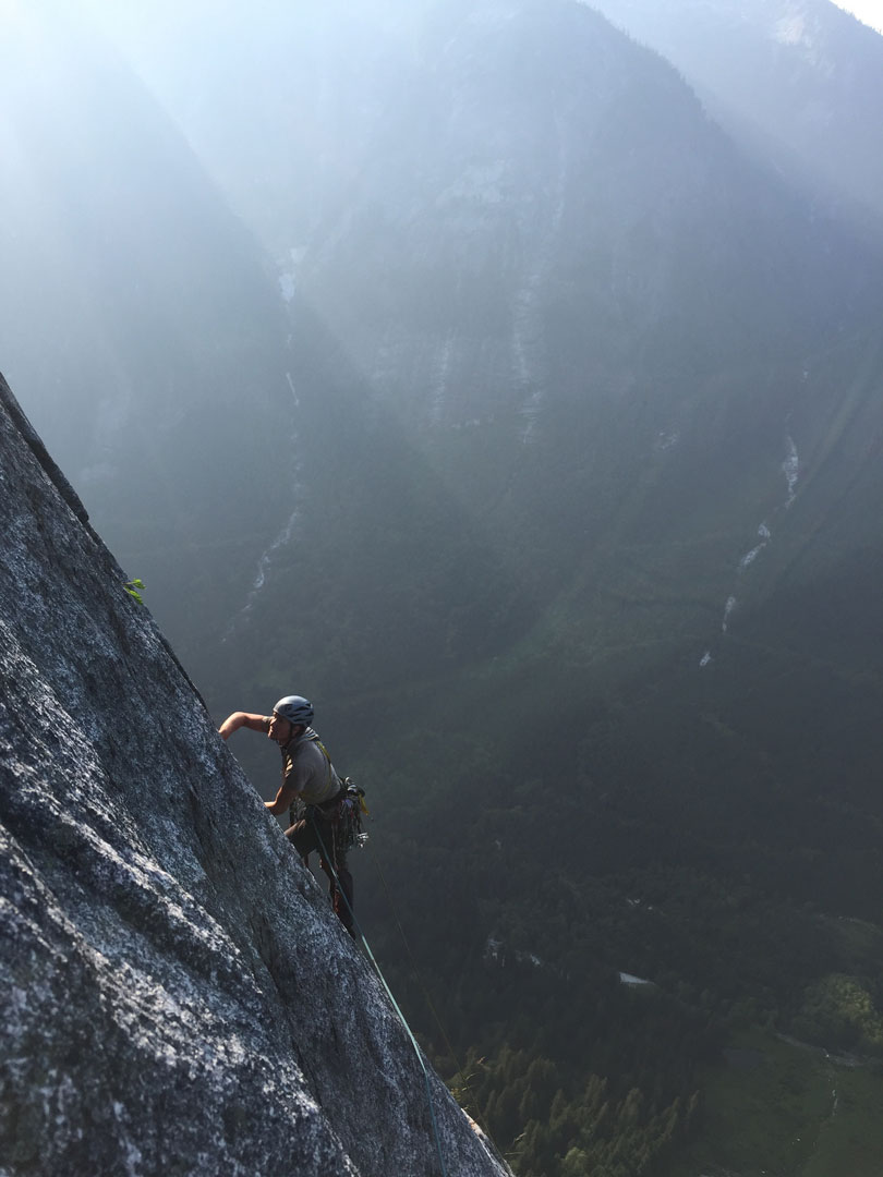 Josh Landeck continues upward after a pendulum on pitch 19 on the Prow (1,200m, VI 5.10 A1) of Super Unknown.