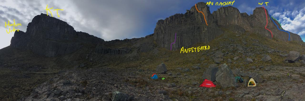 An overview of the Towers of Simiatug from base camp, showing from left to right: Hatun Urco and Kari Torre (no routes as of December 2018), Anfiteatro Wall and the route Reina de Simiatug (purple line), Apu Machay and the route ¡Asi mismo es esto Griffin! (orange line), and Warmi Torre with the routes Strange and Eternal (red line), Warmi Torre Direct (blue line) and variation (green line).