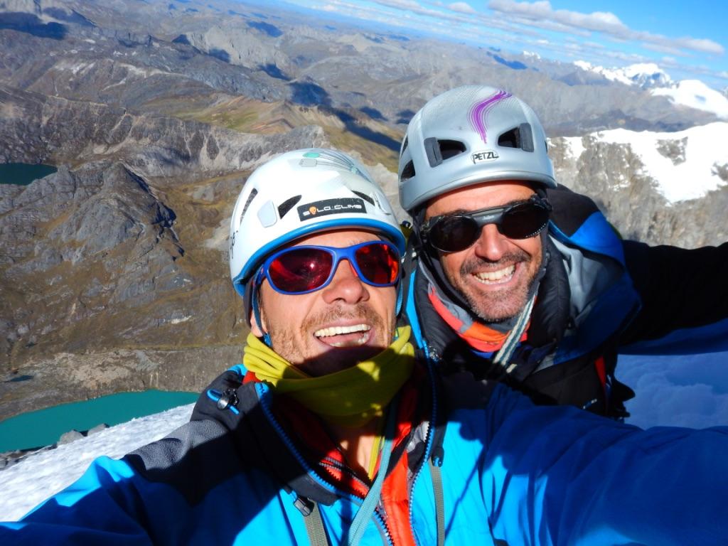 José María Andres and Samuel Gómez at the high point on Jurau A.