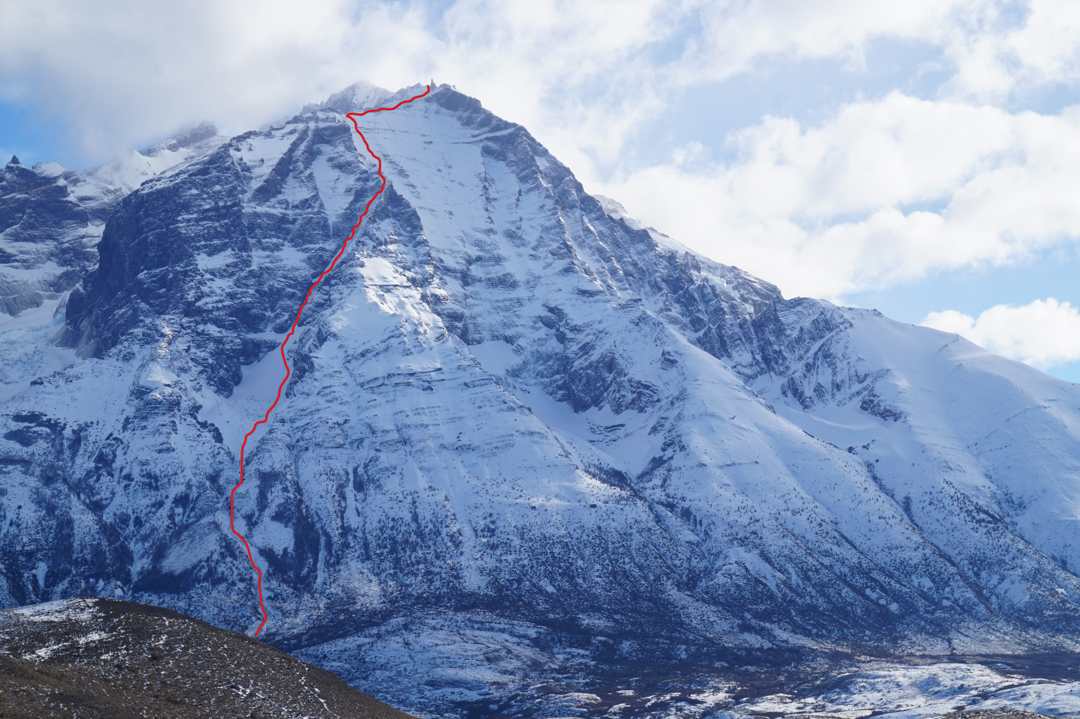 The new route Linea de Libertad (approximately 700m of climbing, difficulties to 90°) on the south face of Cerro Almirante Nieto. Above the high point shown here, the climbers crossed to the east side of the mountain and traversed toward the east summit. They joined the normal route (northeast ridge) below the summit and descended from there.