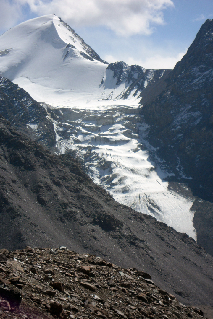 Pik 4,642m from the north, showing the icefall that thwarted the 2018 attempt.