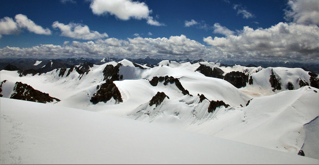 Looking southeast from Ben Jai Ma over a sea of unnamed, unclimbed peaks.