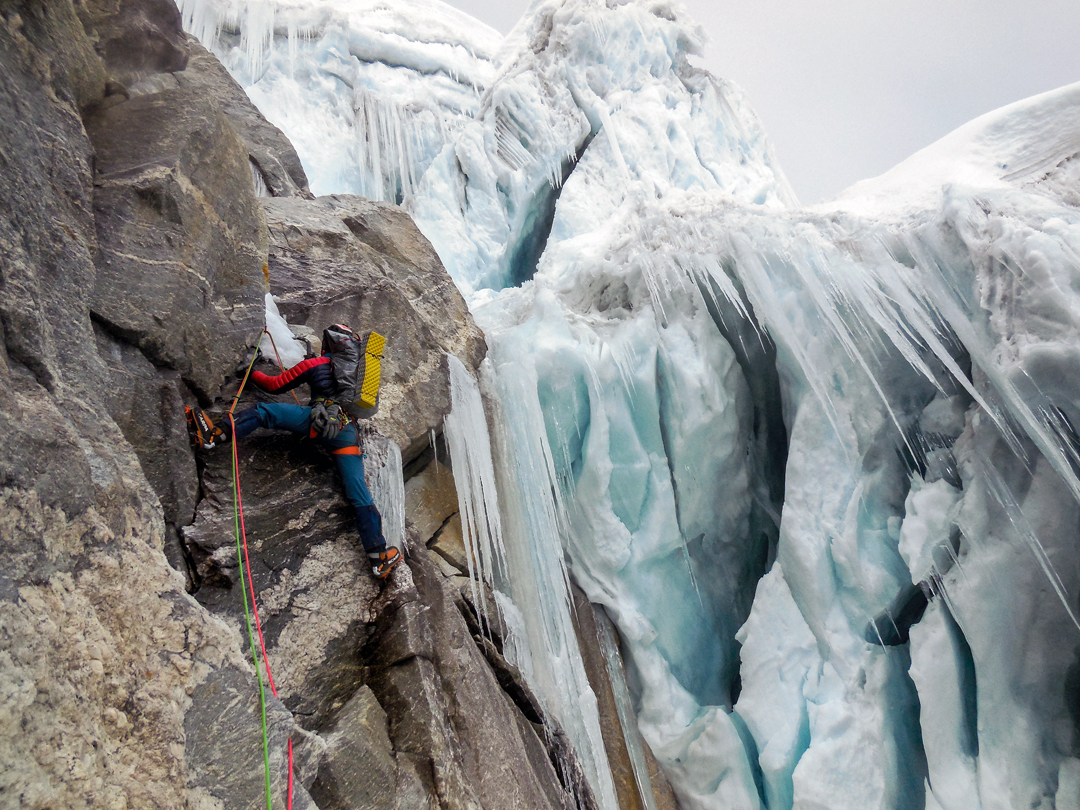 Mixed climbing alongside the seracs by the southwest pillar of Lobuche East.