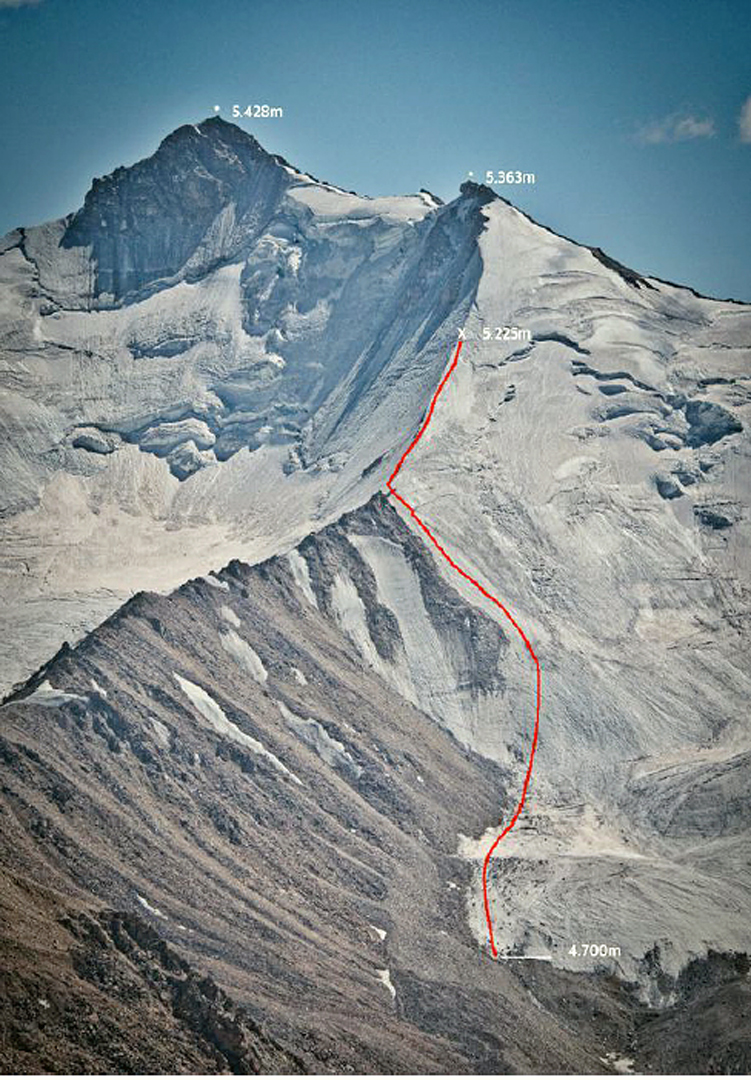 Peak 5,428m (left), above the Rivak Dara (Rivak Valley) and Sergi Ricart's attempted route in September 2018. Ricart stopped at 5,225m on the north ridge of subsummit Pik 5,363m.