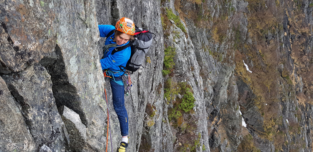 Michal Czech finishing pitch five of Winter in Norway like Summer in Tatry, west face of Goksøyra.
