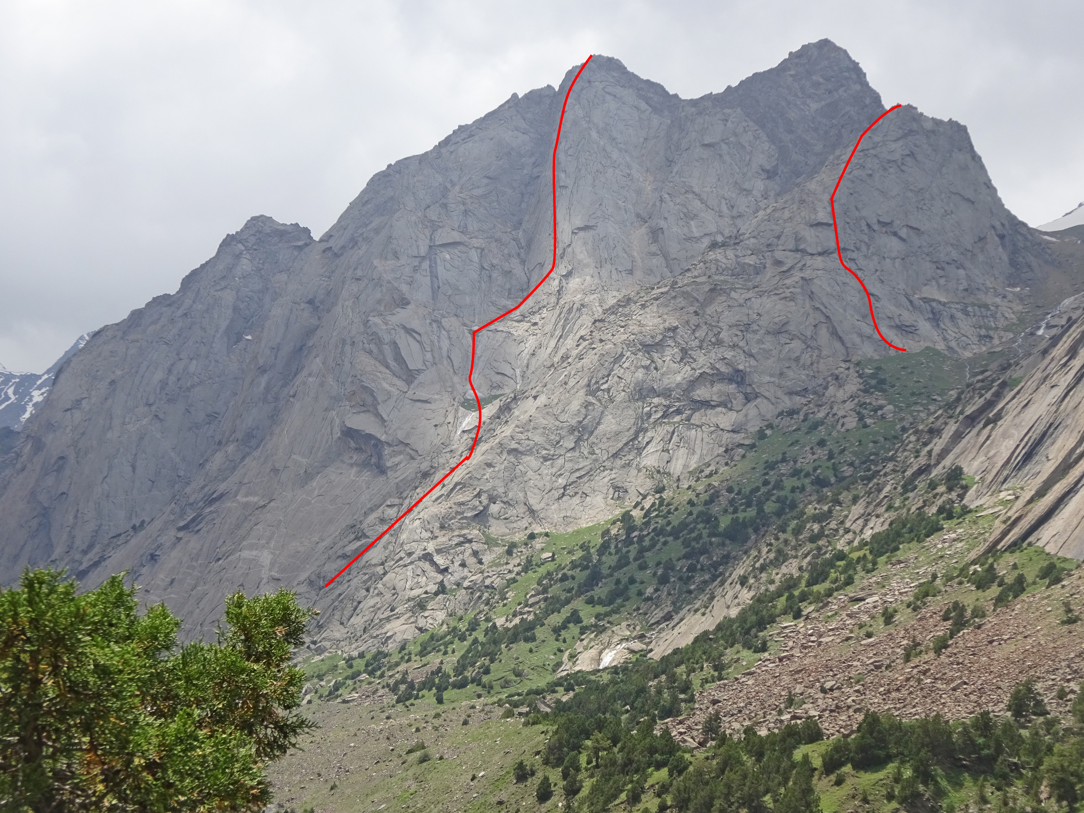 Silver and Green walls in the Kara-su Valley seen from the north-northeast. Approximate lines of the two new 2019 Austrian routes are marked: Tyrolean, to the main summit of Silver Wall, and Eaßtbegeung on Green Wall.