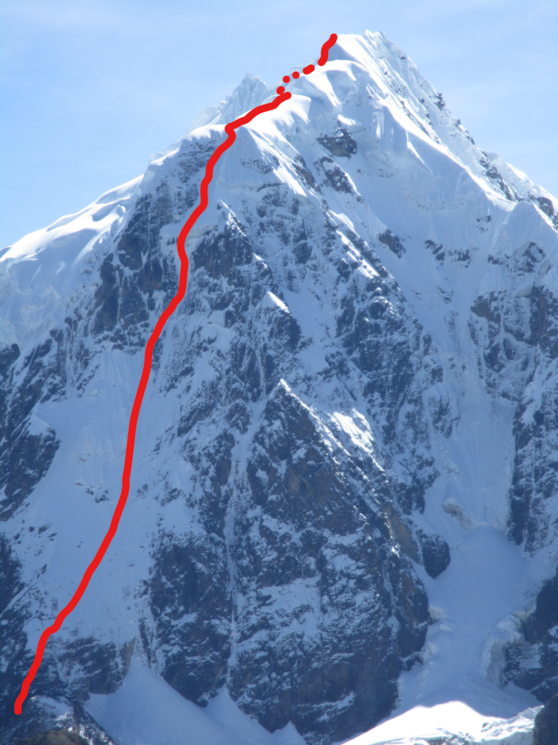 Nevado Jatunhuma (a.k.a. Tres Picos), South Peak (6,070m), showing the route Via Adrenaline (900m, ED+ WI6 M6 R A2).