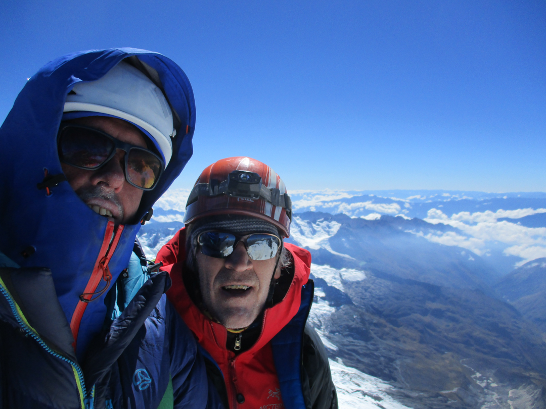 Oriol Baró and Jorge Sirvas on the summit of Nevado Sacsarayoc (5,918m).